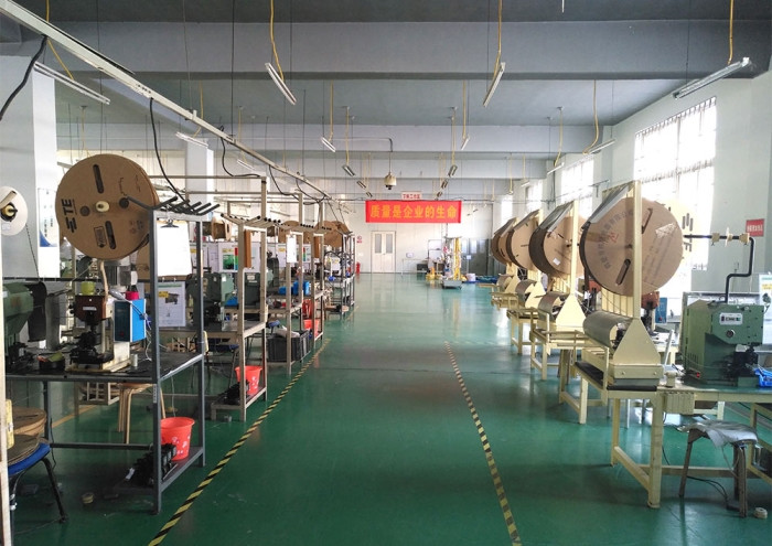Automotive Wiring Harness Factory Direct Supply-Jining Automotive Wiring Harness-Hongshun Xing Industry & Trade (view)